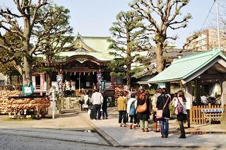 箱根神社を源頼朝と北条政子夫婦がお参り